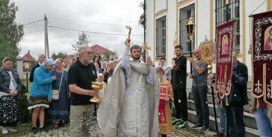 В деревне Спас-Каменка Рогачевского благочиния состоялся престольный праздник Преображения Господня