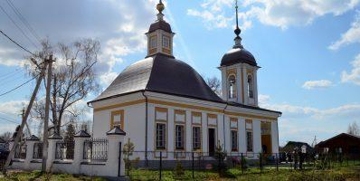 Расписание богослужений Преображенского храма деревни Спас-Каменка на сентябрь 2018 года