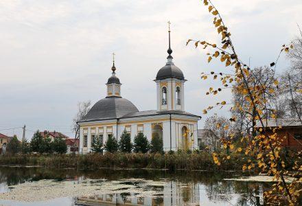 Расписание богослужений Преображенского храма деревни Спас-Каменка на ноябрь 2019 года